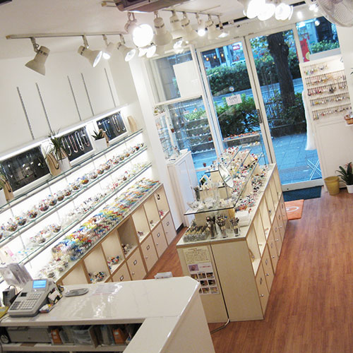 浅草橋店は6月から火曜日が定休日になります。